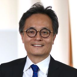 Professor Youngjin Yoo Recognized with AIS Fellow Award